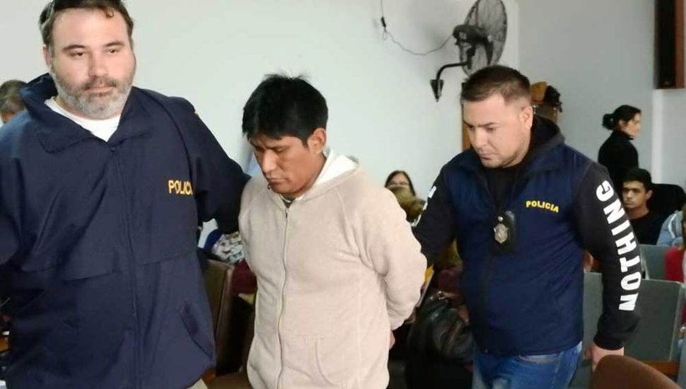 Quispe Viza, llevado a prisión, luego de escuchar la condena.