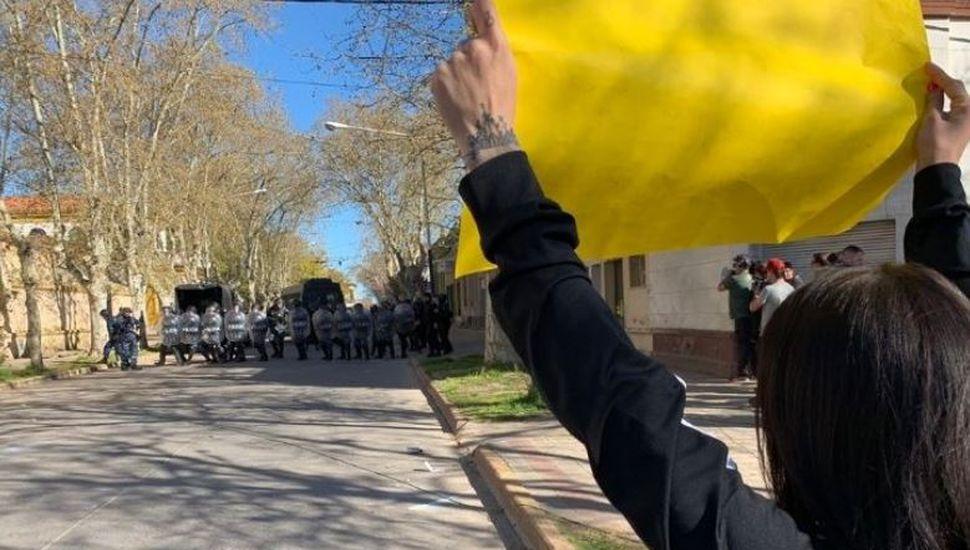 Incidentes en una marcha en reclamo de justicia por el femicidio de Navila