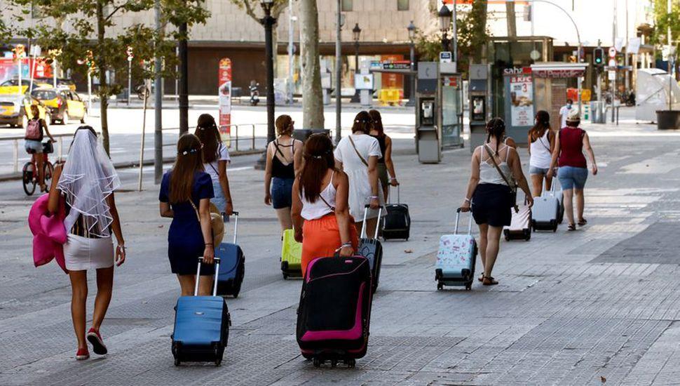 Los rebrotes de coronavirus en Cataluña provocaron una oleada de cancelaciones en Barcelona.