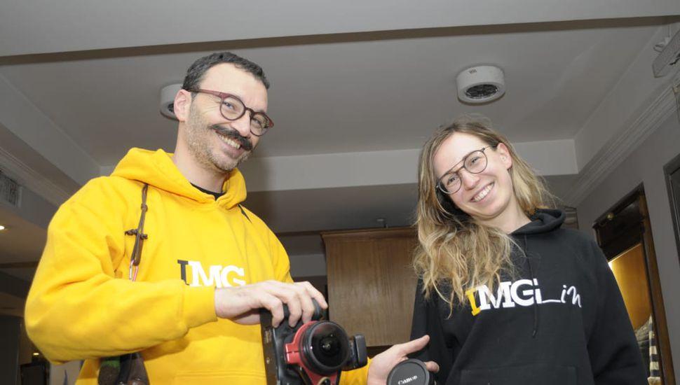 Dos ópticos italianos llegaron a Junín para ver el eclipse
