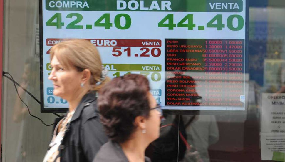 El FMI enviará USD 10.800 millones, pero advirtió por la inflación