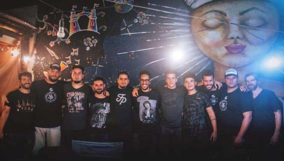 """La banda de rock juninense """"Fisurado y Paranoico"""" despide el año en """"Malabar Costero"""", Parque Natural Laguna de Gómez, esta tarde desde las 18 horas."""