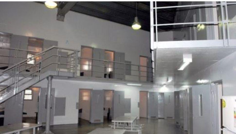 Así es el Hospital Penitenciario de Ezeiza donde De Vido pasará la noche
