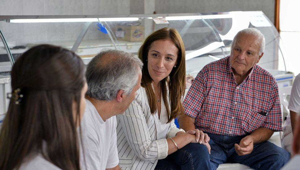 María Eugenia Vidal recorre territorio bonaerense, pero en el partido oficialista no descartan que deba ponerse el traje de candidata presidencial, frente al derrumbe de Macri en las encuestas.