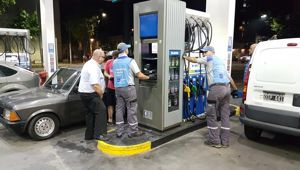Malestar de los juninenses en los surtidores por otro aumento de los combustibles.