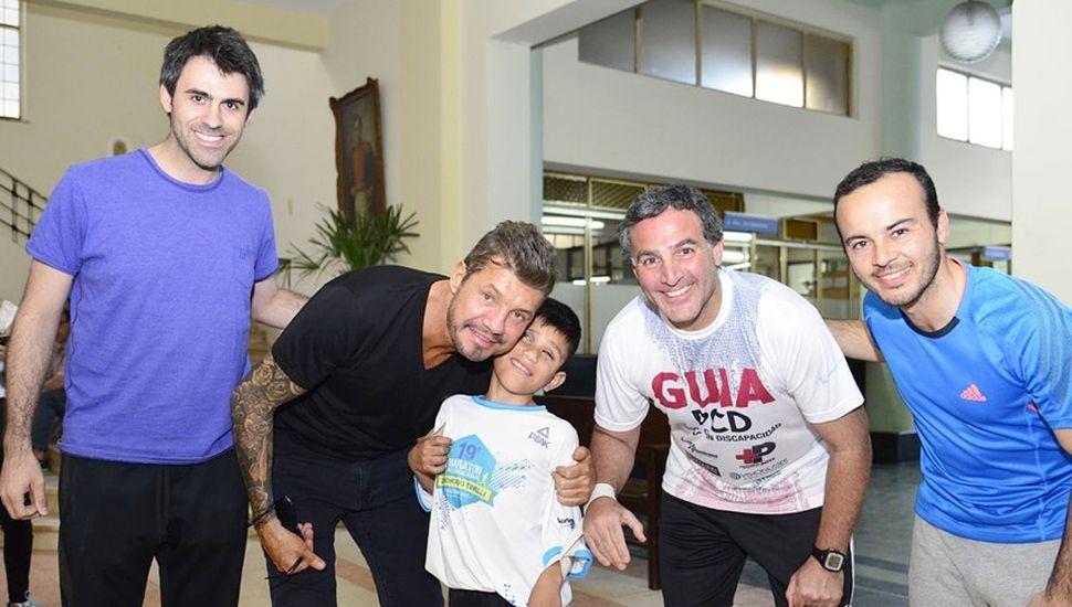 Marcelo Tinelli, recibió a la delegación de Junín, en el marco de la maratón que homenajea a su padre.