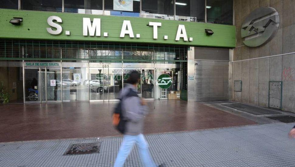 Por el faltante de 300 millones de pesos, allanaron la sede de SMATA
