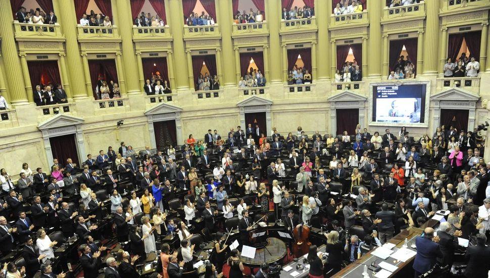 Juraron los 130 diputados electos en octubre, y asumió Massa como presidente de la Cámara