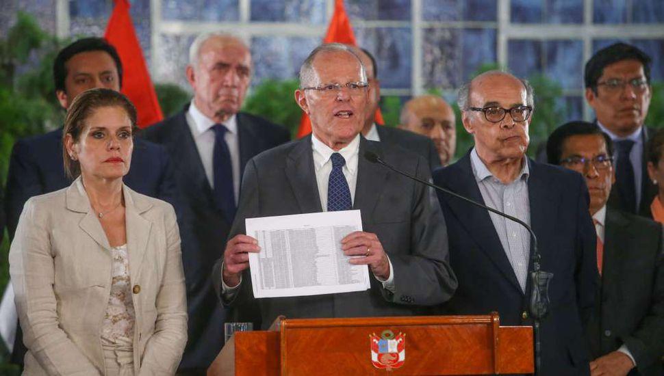 Buscan destituir a Kuczynski