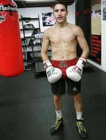 Ronan Nahuel Sánchez, boxeador de Rojas que combate hoy en Monterrey (México).