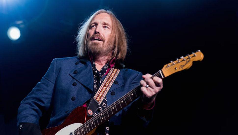 El Rockero estadounidense, Tom Petty está internado con muerte cerebral