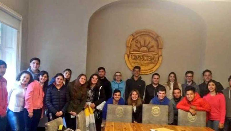 "Becas ""Primer Universitario de la Familia"""