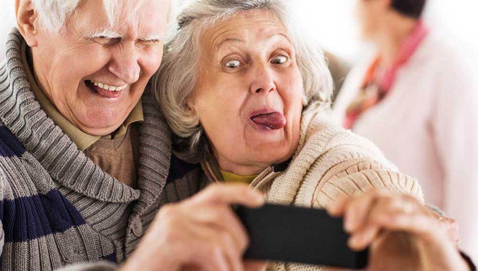 Miedo a lo nuevo, principal causa por la que los adultos mayores rechazan la tecnología