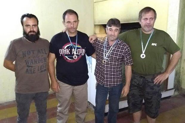 Reciben sus medallas los ganadores del nacional de miras abiertas.