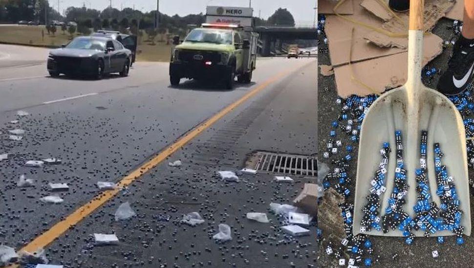 Video viral: un camión chocó y provocó el mayor lanzamiento de dados de la historia