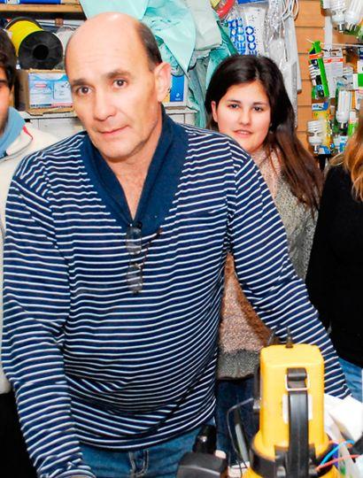 Daniel Barco, especialista en venta de artículos para iluminación.