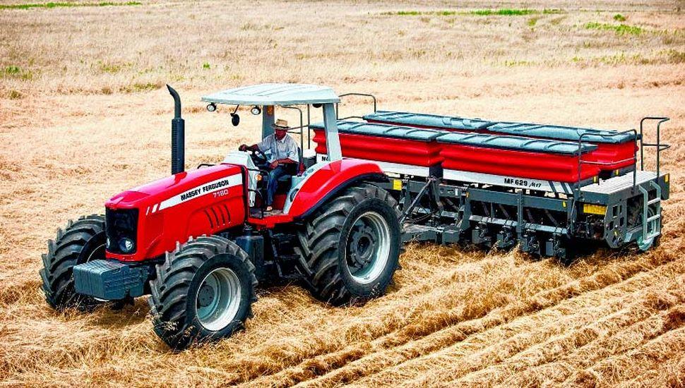 La agricultura fue una de las primeras actividades del hombre para procurarse alimentos de origen vegetal, provenientes de la tierra.
