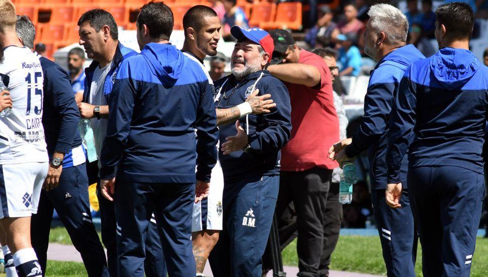 La emoción de Diego Maradona, tras el triunfo.