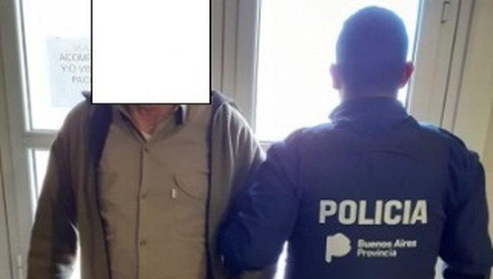 Allanan un domicilio en Rojas, secuestran armas y aprehenden a un hombre