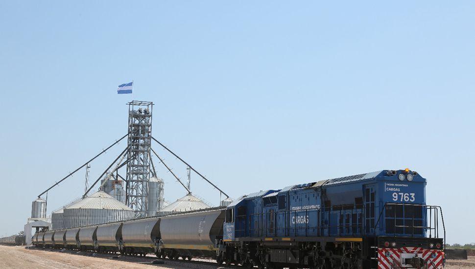 Con 700 kilómetros de vías reparados, para este año esperan transportar 18 millones de Tn.