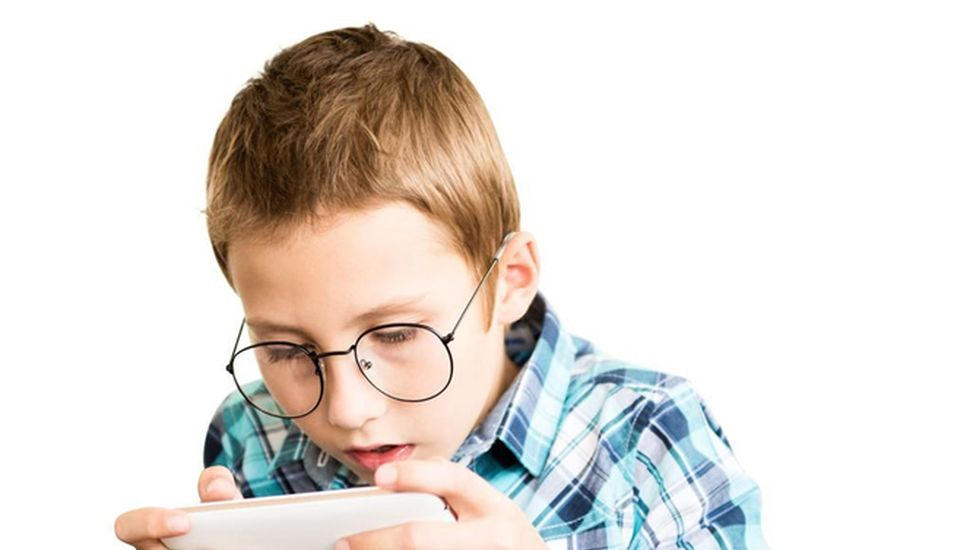 El exceso del uso de la tecnología y los efectos en los chicos y adolescentes