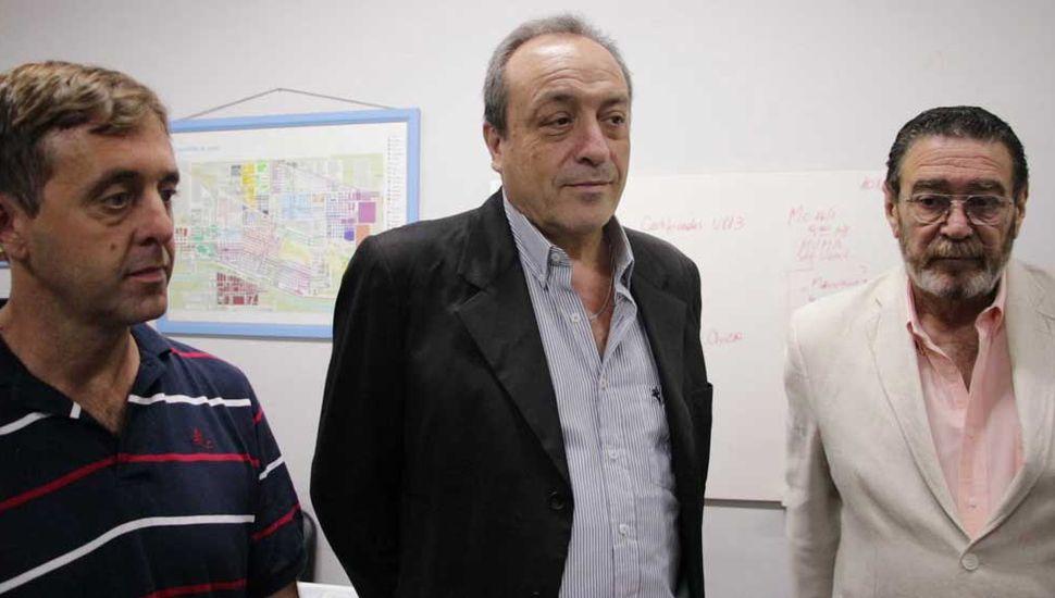 Hernán Ceci (Bromatología),  Carlos Lombardi (Secretaría de Salud) y Julio Ferrero (Zoonosis).