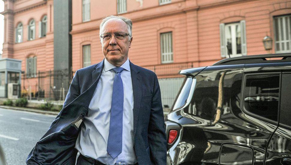 Guillermo Nielsen, presidente de YPF, tuvo que dar marcha atrás con el aumento.