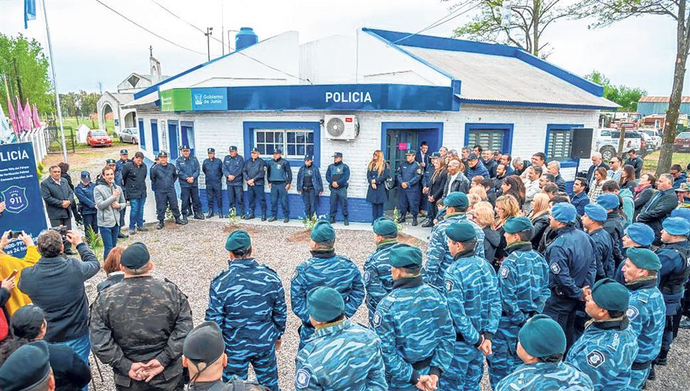El acto estuvo encabezado por el intendente, Pablo Petrecca.