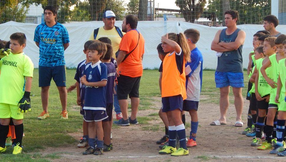 Elencos formados para el inicio del certamen de baby fútbol