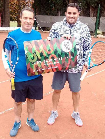 Fernando Basilio y Gonzalo Altamirano (derecha), ganador en cuarta.