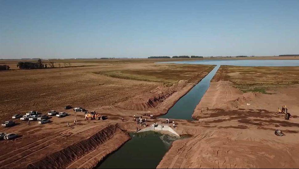 Con la nueva salida hacia Buenos Aires, un bypass de 2400 metros, se busca desagotar la Laguna La Picasa.