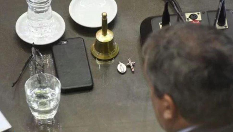 La foto de Emilio Monzó que podría anticipar su eventual voto desempate