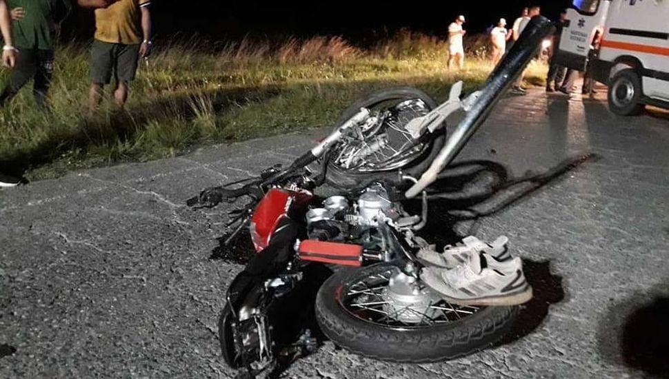 El estado en el que quedó la motocicleta tras el impacto.
