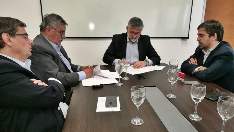 Firmaron convenio para la creación de un Centro de Formación Laboral