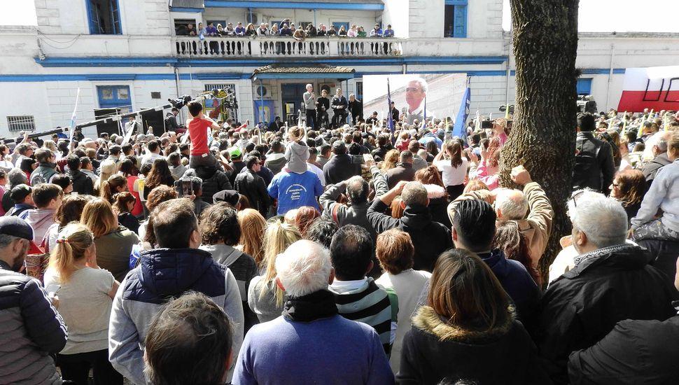"""""""Vamos a trabajar fuerte para recuperar lo perdido"""", afirmó Kicillof en Junín"""