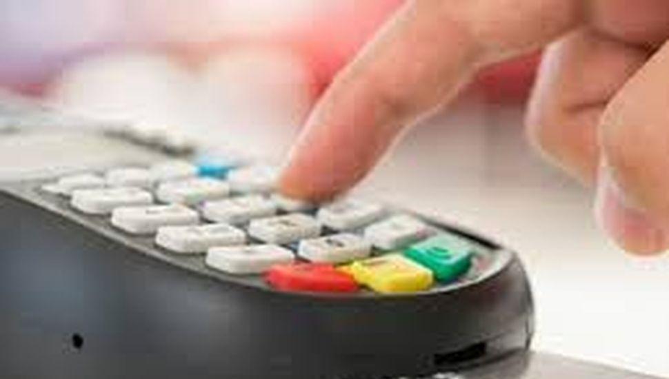 Crece el uso del débito, pero cae el del crédito por la pandemia