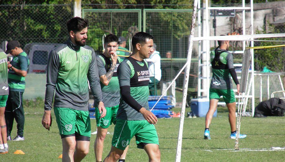 Manuel Vicentini y Lucas Landa, ayer, en Ciudad Deportiva.