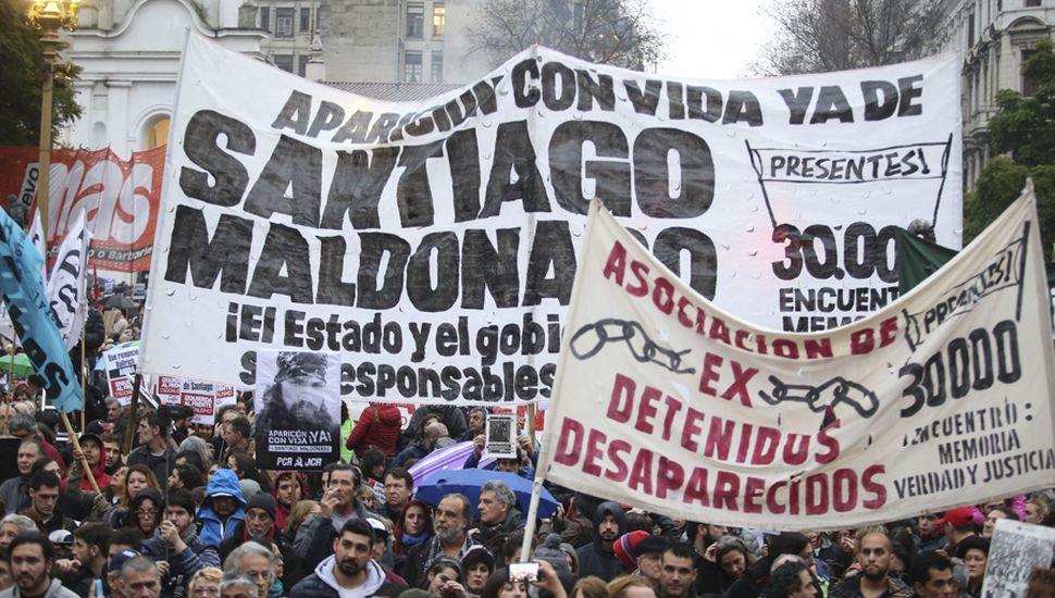 Santiago Maldonado se ahogó en el río, tras un operativo de Gendarmería.