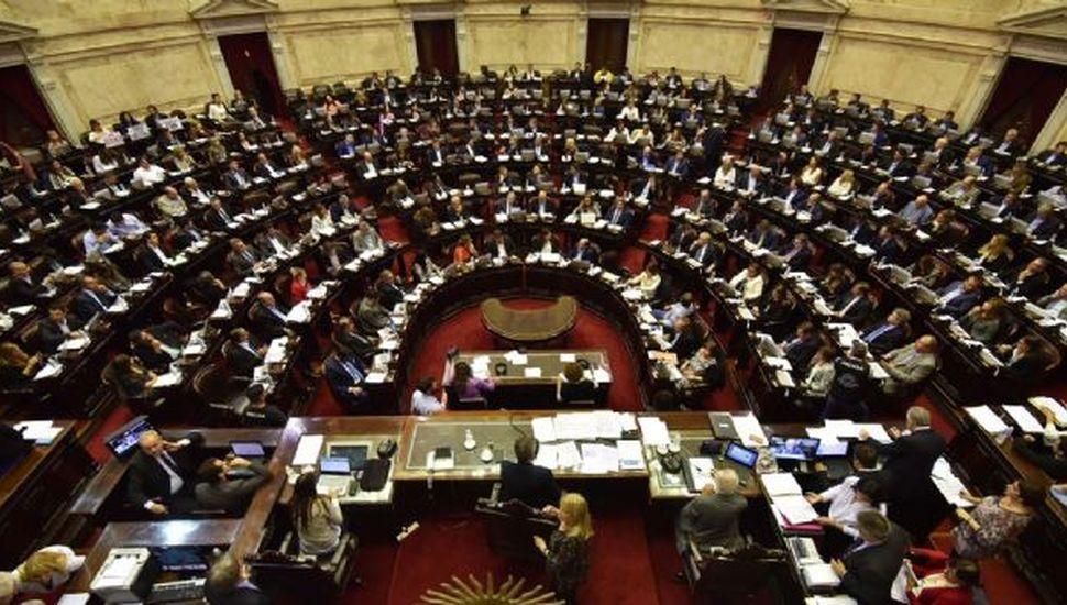 La oposición se junta para definir postura sobre el proyecto de la deuda