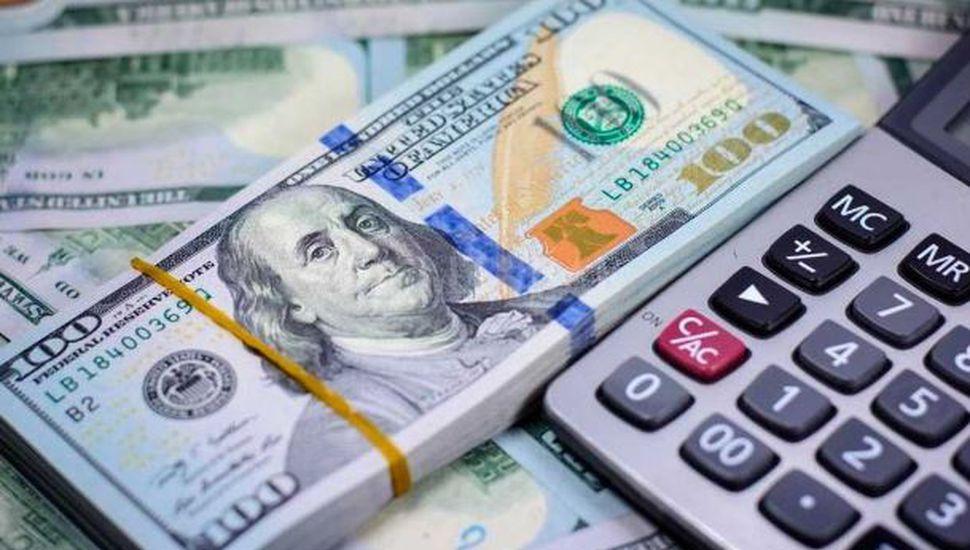 Dólar sin freno: la moneda estadounidense superó los 34 pesos