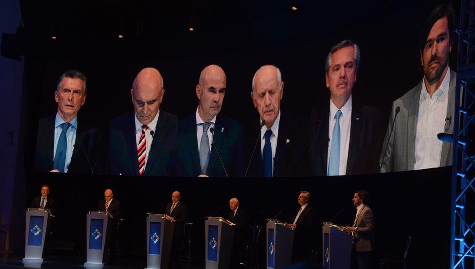 Macri, Fernández, Roberto Lavagna, Nicolás Del Caño, José Luis Espert y Juan José Gómez Centurión.