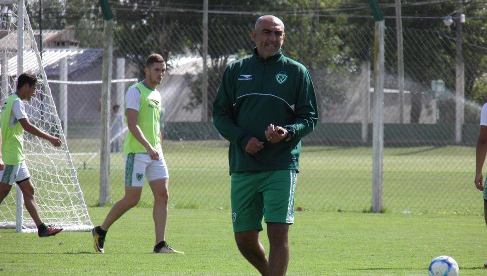 Iván Delfino, ayer, en Ciudad Deportiva.