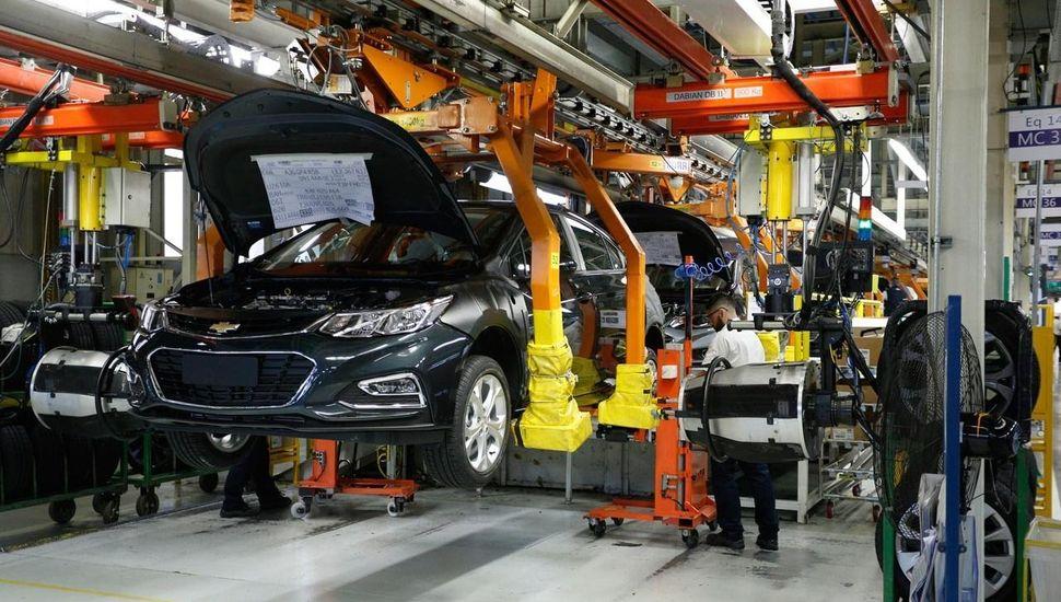 Incrementos de hasta 23% en una marca de vehículos