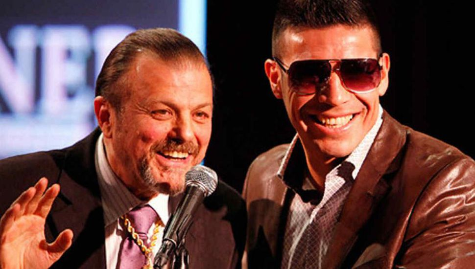 """Otros tiempos: Sampson Lewcowicz (izquierda) junto al pugilista Sergio """"Maravilla"""" Martínez."""