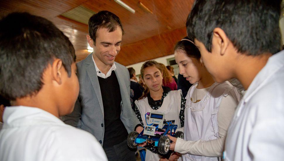 Robots: el futuro que ya es una realidad y se enseña en las escuelas de la Ciudad