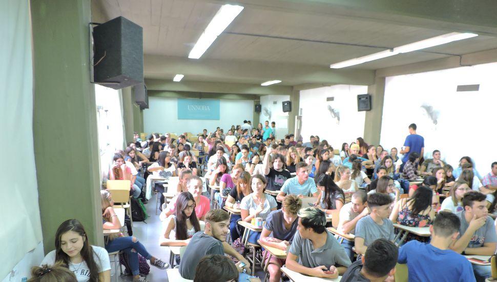 """""""Terminá la Secundaria"""", el programa dirigido a estudiantes universitarios"""