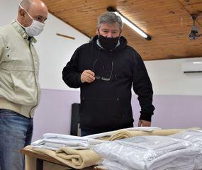 Donaron 50 juegos de sábanas y frazadas al hospital de Ameghino