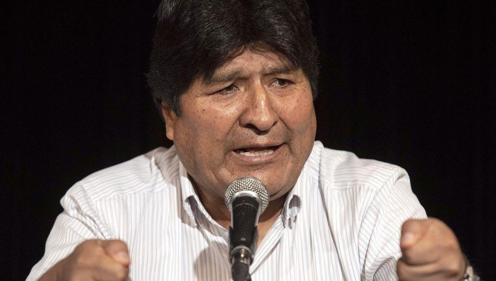 Emiten una orden de aprehensión para Evo Morales