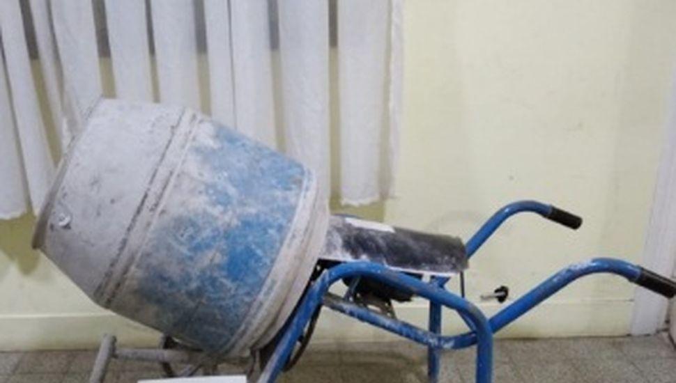Recuperan en Rojas una máquina mezcladora que había sido robada en Obligado