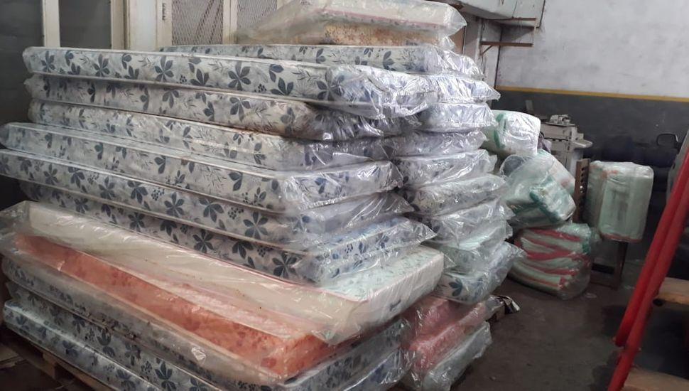 Familias afectadas por el granizo: llegó un nuevo camión con artículos